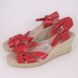 Anthro Chio 40 Red Leather Low Wedge Sanddals EUC